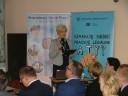 """Zastępca Dyrektora PUP w Łukowie Pani Danuta Bosek otwiera konferencję """"Nowe zasady rejestracji oświadczeń o powierzeniu wykonywania pracy oraz wydawanie zezwoleń na pracę sezonową w 2018 r."""""""