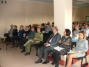 Zdjęcie obejmujące licznie przybyłych uczestników konferencji.
